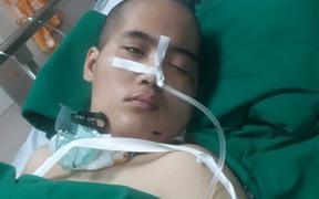 Người mẹ đơn thân bị tai nạn nằm hôn mê có con bệnh nặng đã tỉnh nhưng chưa nhận biết được xung quanh