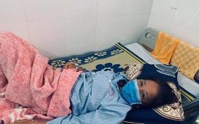 Người phụ nữ bị thủng đại tràng do nuốt phải tăm tre