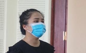 Nữ nhân viên xinh đẹp thực hiện 30 vụ trộm hàng của công ty