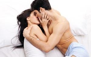 """Chồng bắt vợ hóa thân thành """"gái hư"""" trong phòng ngủ, nhìn vào những thứ bày trên giường khiến tôi muốn ly hôn"""