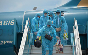 Sáng 18/10: Vì sao nhóm hành khách gia đình có trẻ nhỏ không thể đi máy bay? Hiệu trưởng nhắn nhủ khi phụ huynh 'đến giới hạn chịu đựng' học online