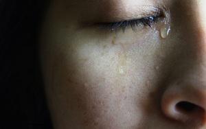Có chồng đạo mạo, học thức nhưng người phụ nữ khóc cạn nước mắt khi phát hiện mình nhiễm HIV, đau lòng hơn chính là con đường lây nhiễm