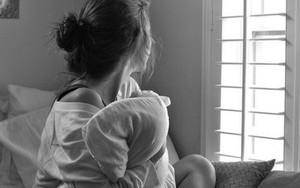Tạm giữ hình sự nam thanh niên làm bạn gái nhí có thai, sinh con