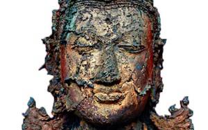 """Mò mẫm đáy """"sông vàng"""", ngư dân phát hiện bức tượng Phật nạm ngọc trị giá chục tỷ đồng, mở đường tìm về quá khứ vương triều bí ẩn nhất thế giới"""