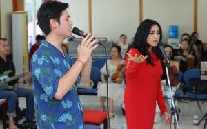 """Con rể ca sĩ Thanh Lam cùng hòa giọng với mẹ vợ trong """"Con đường âm nhạc"""""""