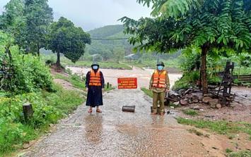 Quảng Bình: Mưa lớn, nhiều khu vực ngập trong biển nước