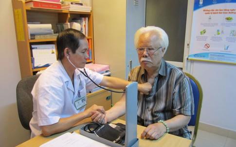 Cảnh giác chứng bệnh hô hấp nguy hiểm khiến người già dễ nhập viện lúc giao mùa