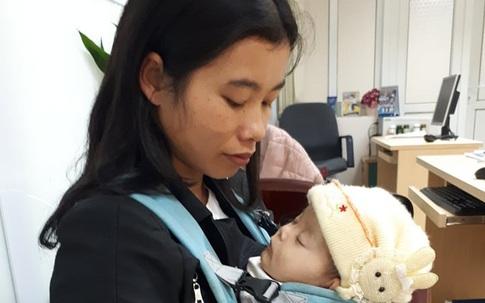 Sức khỏe bé gái 1 tuổi bị tim bẩm sinh ở Tuyên Quang yếu hơn trước