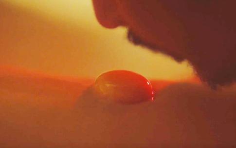 Phim 'Vợ ba' đúng hay sai khi sử dụng diễn viên 13 tuổi đóng cảnh 'siêu nóng'?