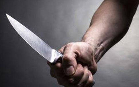 Mâu thuân cá nhân, dùng dao đâm chết người