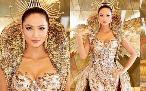 """Theo đuổi hình ảnh đả nữ điện ảnh, H'Hen Niê tiếp tục hóa thân thành """"Nữ thần Mặt trời"""""""