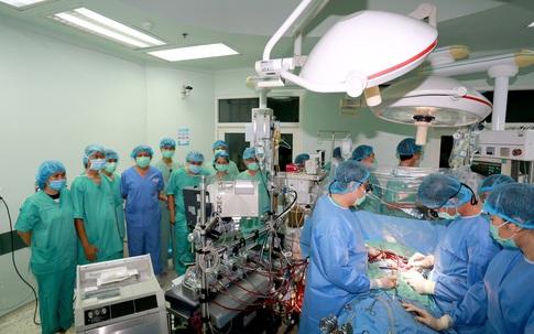 Hành trình ghép tim xuyên Việt duy trì sự sống cho bệnh nhân của Bệnh viện TW Huế