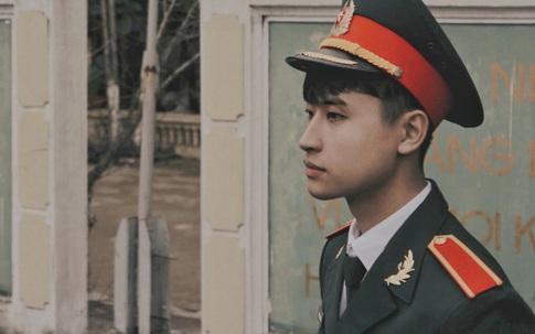 Ảnh mặc quân phục của 10X nhận nhiều lời khen