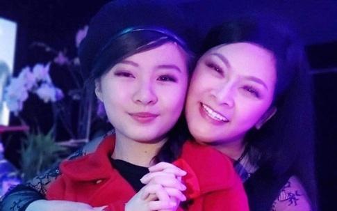 Con gái 13 tuổi có ngoại hình xinh xắn, phổng phao không thua kém ca sĩ Như Quỳnh lúc trẻ
