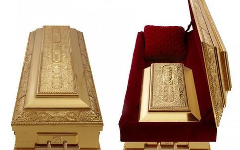 Những cách dùng vàng lạ đời của hội nhà giàu trong lúc người nghèo tích cóp từng chỉ một