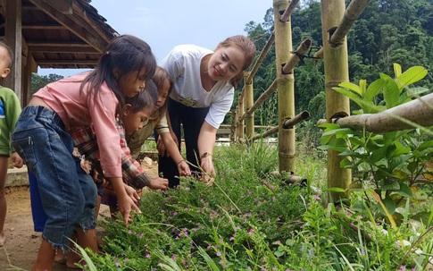 Sung Thị Tông – cô giáo H'Mông gọi trẻ đến trường