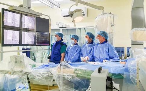 Xuyên đêm cứu bé sơ sinh mắc chứng rối loạn nhịp tim chỉ 4/1000 trẻ mới gặp