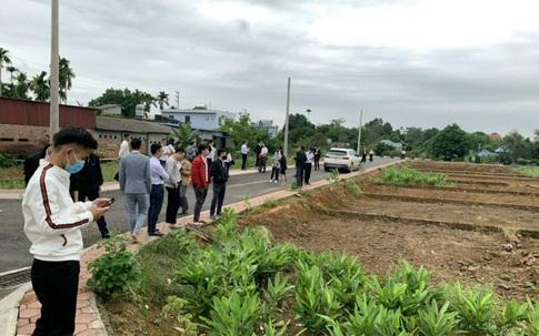 """Hà Nội: Giá đất lại """"nóng"""" lên từng ngày nhờ """"ăn theo"""" quy hoạch, người dân mở rộng vùng đầu tư"""