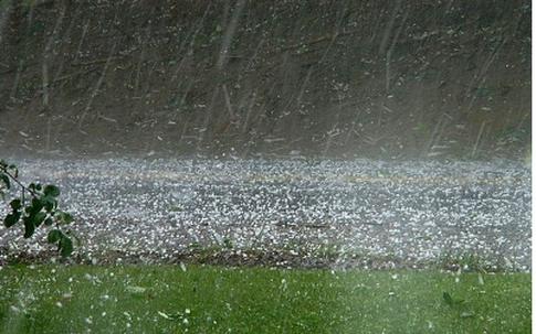 Những ngày đầu tiên Thanh minh khó đi tảo mộ vì thời tiết lốc, sét, mưa đá