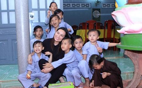 Tình huống pháp lý xung quanh việc chăm sóc, nuôi dưỡng 23 người con nuôi sẽ ra sao sau khi ca sĩ Phi Nhung qua đời