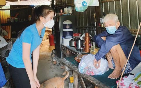 Trước khi đến Miss World 2021, Đỗ Hà vẫn kịp làm điều này cho những người khuyết tật, người già neo đơn
