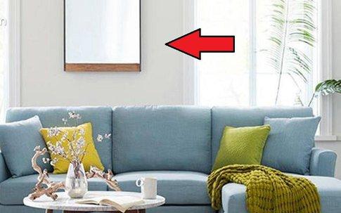 Đặt sopha trong phòng thế này bảo sao tài lộc cứ đội nón ra đi, kiểm tra ngay xem nhà bạn đặt đúng chỗ chưa