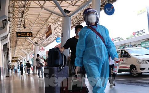 Đề xuất mở hàng không giai đoạn 2: Chỉ buộc xét nghiệm với khách từ TPHCM đi