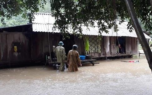 Bộ đội Biên phòng Quảng Bình vượt lũ đảm bảo an toàn cho nhân dân