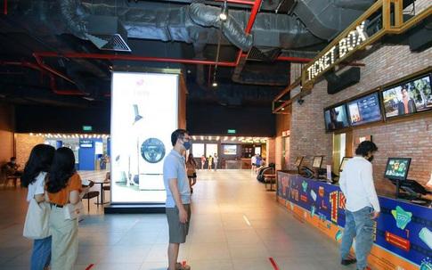 Tin sáng 23/10: Hà Nội chấm dứt gần 2 tuần 0 ca cộng đồng; rạp chiếu phim chính thức quay lại, bùng nổ với lịch chiếu loạt bom tấn?