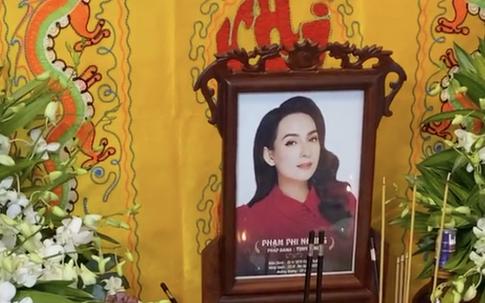 Nhân lễ cầu siêu cho Phi Nhung: Nếu muốn cầu siêu cho gia tiên, người đã khuất tại nhà có được không?