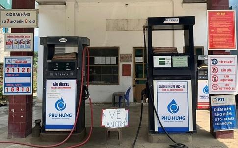 """Treo biển """"về ăn cơm"""", một cửa hàng xăng dầu bị xử phạt 10 triệu đồng"""