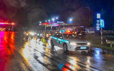 Thanh Hóa: Cảnh sát giao thông hối hả đón tiếp, dẫn đường người dân trở về quê