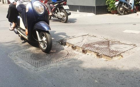 Những nắp cống như bẫy người nhan nhản trên đường phố Hà Nội