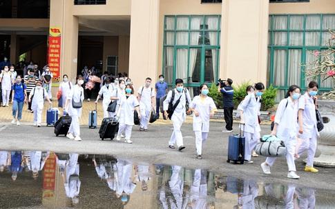 Gần trăm giảng viên, sinh viên Đại học Y dược Hải Phòng lên đường chi viện cho Bắc Giang chống dịch COVID-19