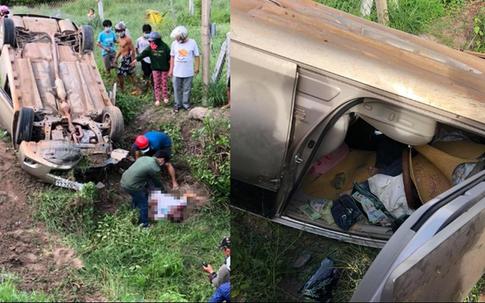 """Ô tô con gặp tai nạn lật úp xuống ruộng, tài xế mắc kẹt trong xe tử vong cùng bọc tiền """"khủng"""""""