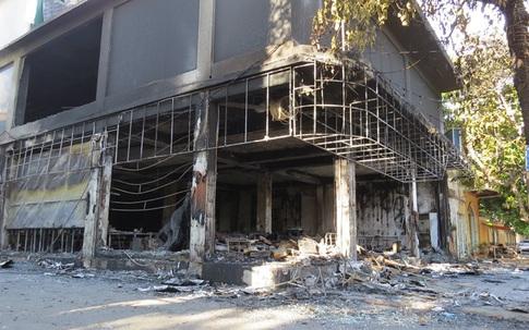 Hình ảnh vụ cháy phòng trà khiến 6 người tử vong ở TP Vinh (Nghệ An)