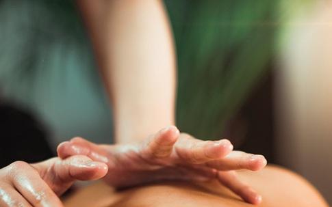 Thủ đoạn của nhóm lừa các thiếu nữ đi làm massage
