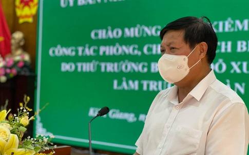 """Thứ trưởng Bộ Y tế: Kiên Giang phải có sự chuẩn bị tốt mới có thể thí điểm """"hộ chiếu vaccine"""""""