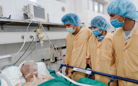 Con trai gặp tai nạn thương tâm, bố mẹ gạt nước mắt hiến tạng con cứu 4 người xa lạ