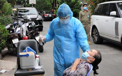 TP.HCM: Lấy gần 100 mẫu xét nghiệm liên quan 2 vợ chồng mắc COVID-19 tại khu Phú Mỹ Hưng