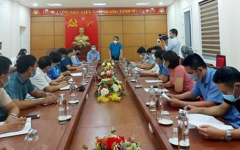 """3 người dân ở vùng núi Nghệ An """"không đi đâu, không tiếp xúc ai"""" dương tính với SARS-CoV-2"""