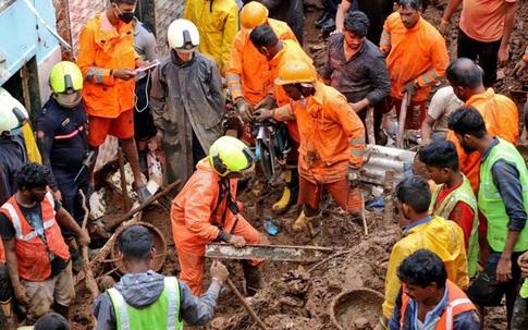 """Chưa thoát khỏi """"địa ngục COVID-19"""", người dân Ấn Độ tiếp tục hứng chịu thảm kịch thiên tai: Hiện trường lở đất gây ám ảnh với ít nhất 30 thi thể"""