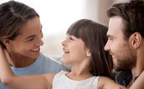 Chồng đánh cược với vợ sẽ nắm tay nhau đi hết cuộc đời với 7 quy tắc vàng