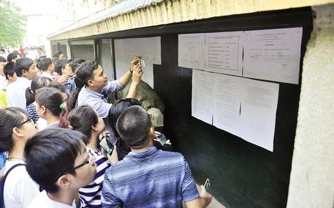 Cả 4 trường THPT chuyên của Hà Nội bất ngờ hạ điểm chuẩn vào lớp 10