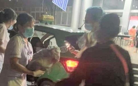 """Lái xe taxi đỡ đẻ giúp sản phụ """"mẹ tròn con vuông"""" trên đường đến bệnh viện"""