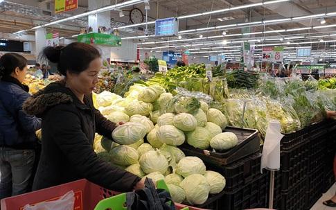 Rau ăn lá, bí xanh tăng giá trong những ngày Hà Nội giãn cách xã hội đợt 2