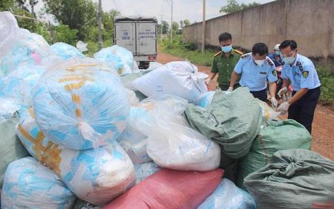 Kinh hoàng hơn 1 tấn khẩu trang thu gom từ TP Hồ Chí Minh được tái chế để tiêu thụ