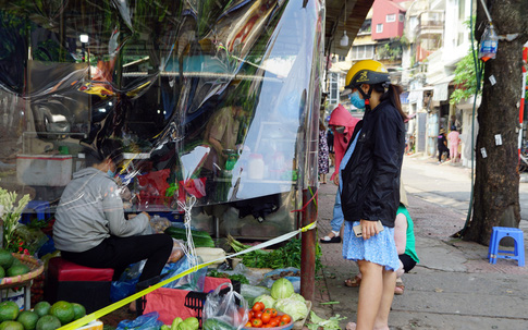 Truy tìm nguồn lây ca dương tính ở ngõ 328 Nguyễn Trãi liên quan đến chợ Ngã Tư Sở, Hà Nội đề xuất xét nghiệm toàn bộ tiểu thương liên quan