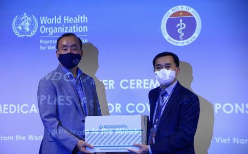Bộ Y tế tiếp nhận lô vật tư y tế trị giá gần nửa triệu đô từ WHO