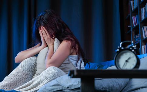 Mất ngủ do thói quen xấu, 5 tác hại đáng sợ xảy ra nếu bạn cứ lặp lại thường xuyên